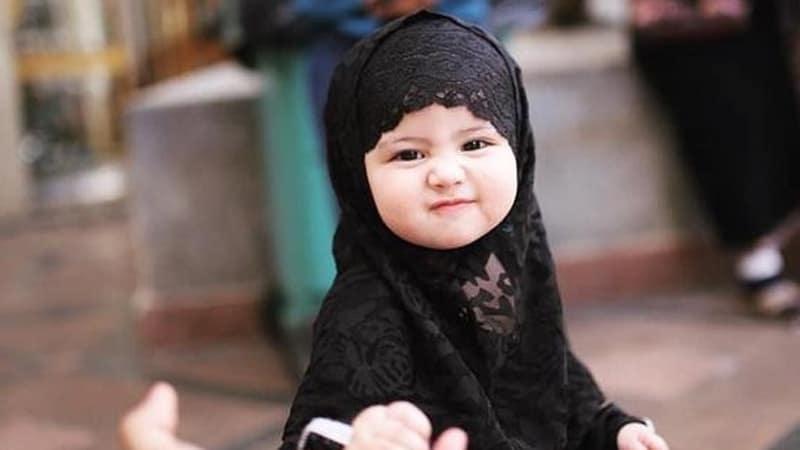 Kumpulan Nama Bayi Perempuan Islami - Bayi Perempuan Berhijab