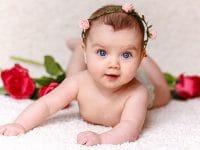 Kumpulan Nama Nama Bayi Perempuan - Bayi Berbando Bunga