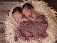 Nama Bayi Laki Laki Islam Modern - Bayi Kembar Tidur