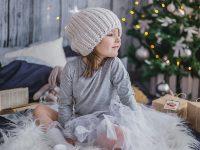 Nama Bayi Perempuan Cantik dan Artinya - Anak Perempuan Duduk