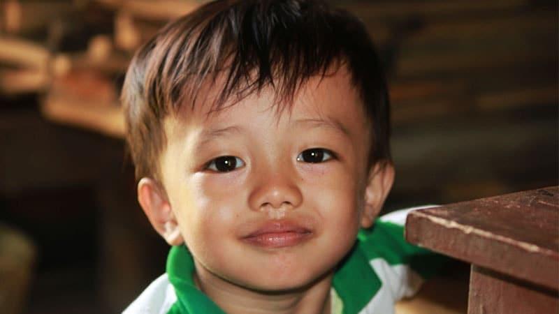 Nama Nama Bayi Laki Laki Unik - Anak Laki Laki Jawa Tersenyum