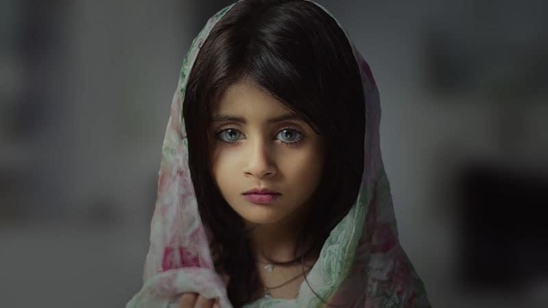 Nama Bayi Perempuan Unik dan Indah - Gadis Berjilbab
