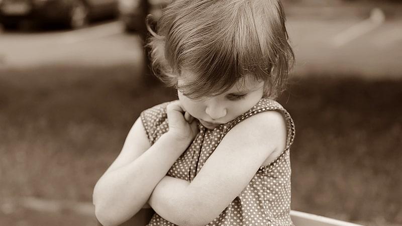 Permasalahan Anak Usia Dini - Anak Perempuan Pemalu
