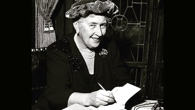 Arti Nama Agatha - Agatha Christie